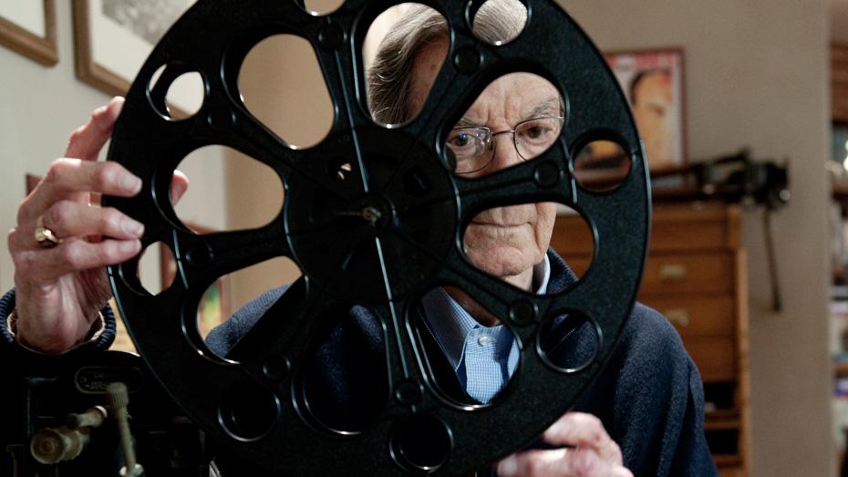 Omaggio a Carlo Lizzani: un cineasta italiano che ha conquistato il mondo.